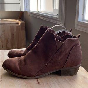 Arizona faux suede brown booties 9 1/2 wide